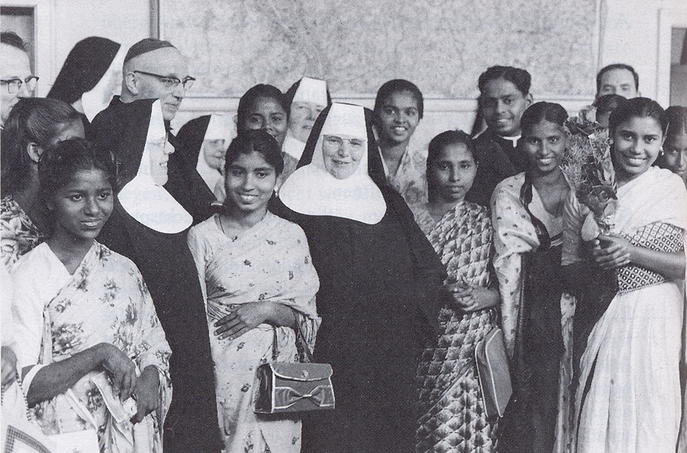 May 1964. Cologne-Bonn airport. Auxiliary bishop Cleven, Sr. Wilma and Mother Cleta receive the first Indian candidates.